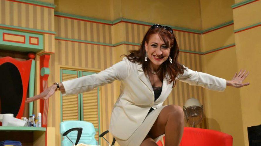 Caro Direttore dei miei stivali, ho letto l'intervista della sciampista del Forbici follia, la ragazza rumena… come si chiama già? Ah sì, Alina Mutu. È mai possibile che non abbiate […]
