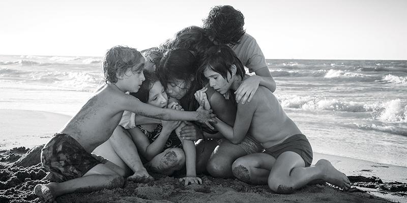 Artista poliedrico, il messicano Alfonso Cuarón si è sempre saputo diversificare nell'ambito cinematografico, confezionando con occhio ispirato una serie di lungometraggi diversi l'uno dall'altro, sia per quanto riguarda il genere […]