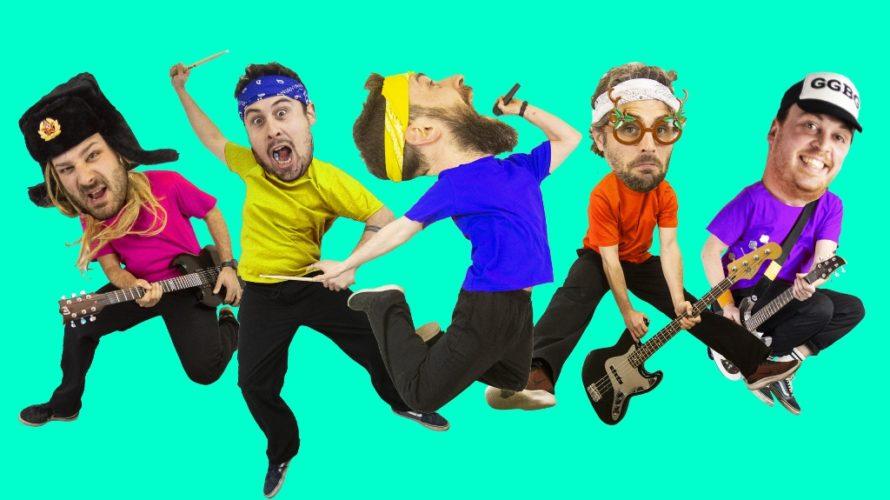 Torna il trash punk dei Paura Lausini, la band bresciana che da anni prende di mira i tormentoni della musica italiana e internazionale coverizzandoli con il loro inconfondibile stile LOL […]