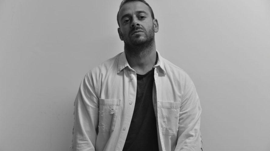 Classe 1984,Tommaso Ficheleha iniziato la sua carriera artistica in teatro; è stato interprete in vari musical e spettacoli teatrali come canta-attore e nel 2012 è approdato, dopo aver girato i […]