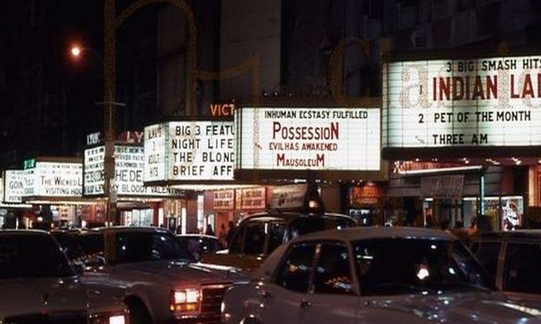 In collaborazione con Home Movies, Digitmovies rende disponibile su supporto dvd 42nd street memories, realizzato nel 2015 dal prolifico autore di cortometraggi e documentari Calum Waddell. Raccontato dai suoi diretti […]