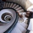 """""""Emisferi"""" è il titolo del nuovo album dalla musicista Barbara Eramo, disponibile da venerdì 26 giugno in tutte le piattaforme digitali pubblicato da MBC Musica/Pirames. Lontana dalle logiche da vetta […]"""