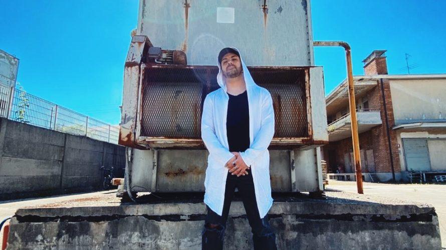"""""""Scegli Me"""" è il titolo del nuovo singolo e video del rapper Dydo, disponibile da martedì 14 luglio in tutte le piattaforme digitali. Il concept del brano dedicato all'amore, racconta […]"""
