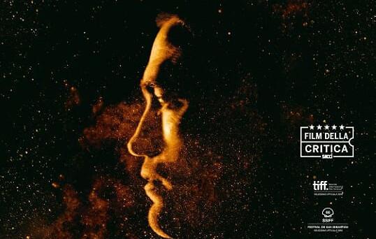 In High life Robert Pattinson canta alla piccola figlia una ninna nanna che ci culla e ci accompagna in un viaggio nello spazio e che rende l'uomo il suo punto […]