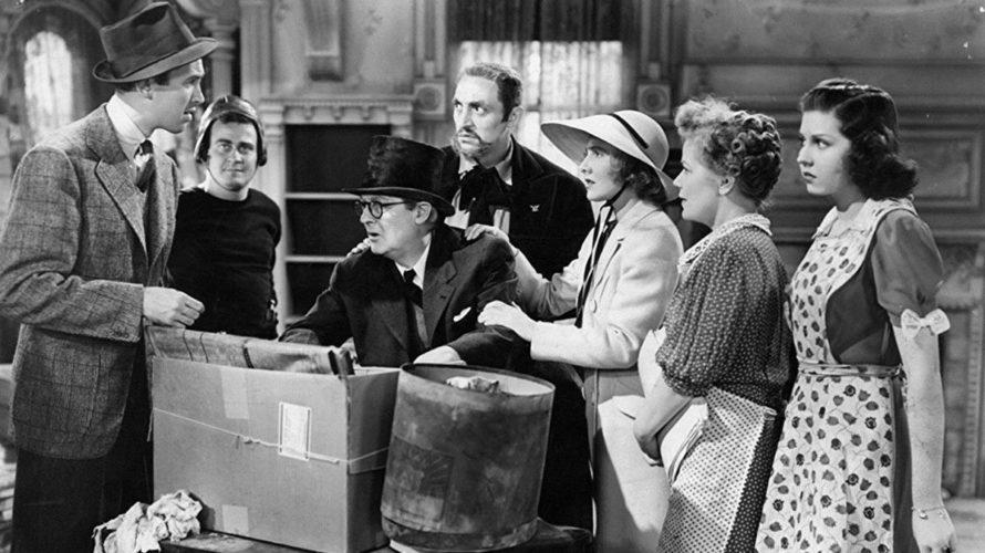 Quando si era amanti del cinema negli anni Trenta il miglior modo per poter sognare ad occhi aperti era andare in sala a vedere un film di Frank Capra, il […]