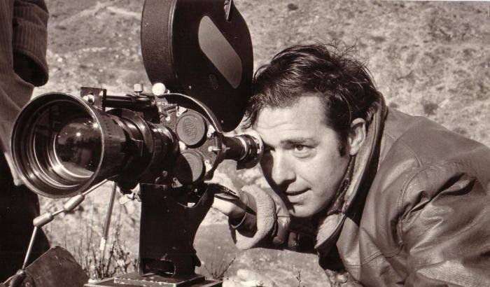 Ieri era nato il grande regista Umberto Lenzi (Massa Marittima 6 Agosto 1931 – Roma 19 Ottobre 2017), il cui nome è noto al cinema mondiale e la cui mole […]