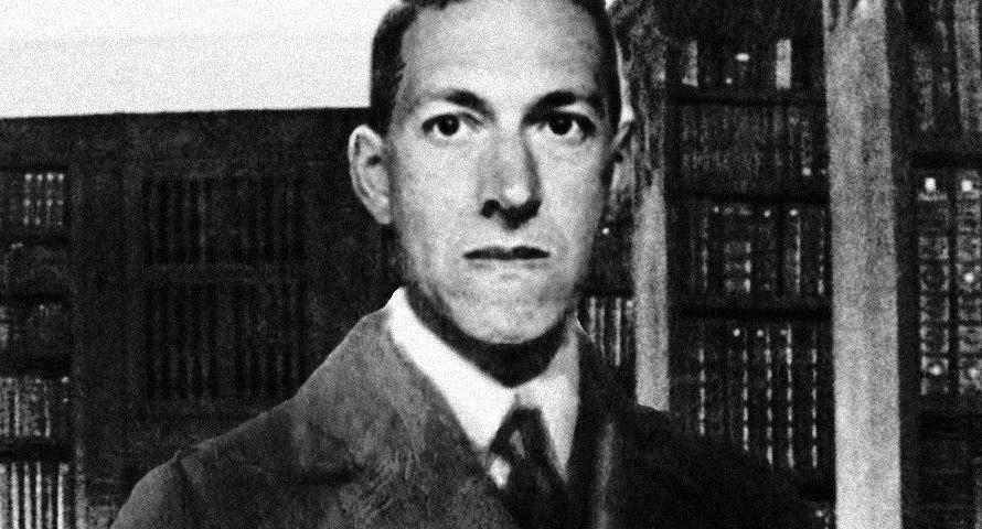 Howard Phillips Lovecraft, misconosciuto per anni, rivalutato e osannato nel secondo dopoguerra, nasceva centotrenta anni fa, esattamente il 20 Agosto 1890. Allevato da una possessiva e protettiva zia che si […]