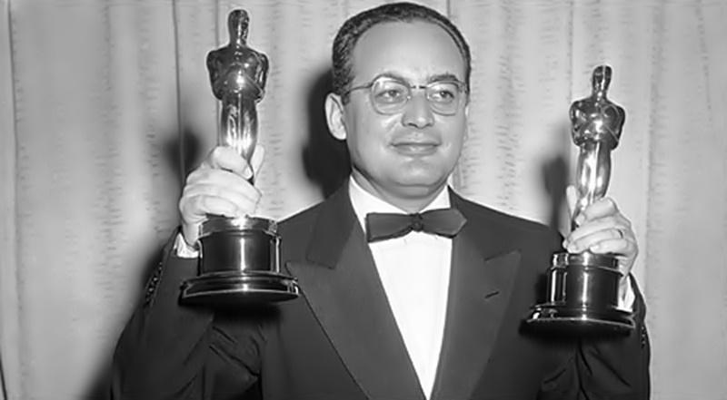 Oggi era nato il produttore cinematografico premio Oscar Dino De Laurentiis (Torre Annunziata, 8 Agosto 1919 – Beverly Hills, 10 Novembre 2010). Dino, all'anagrafe Agostino, all'età di quattordici anni comincia […]