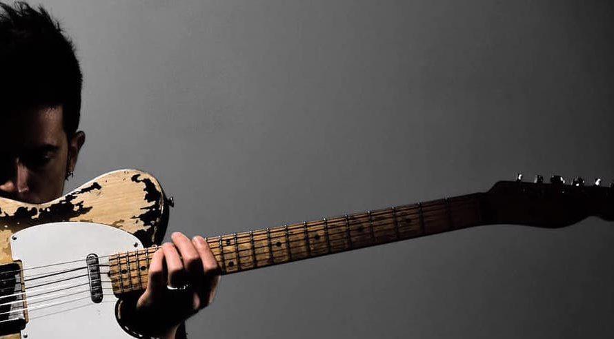 """Cafiero, tra le novità musicali più rilevanti in circolazione, è tornato sulla scena con """"Cafiero Music Pen Drive"""", il suo secondo ed atteso progetto discografico. Il musicista, cantautore e produttore, […]"""