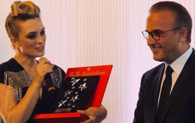 Torna la VII edizione dell'International Starlight Cinema Award, riconoscimento assegnato durante la Mostra Internazionale d'Arte Cinematografica di Venezia (2-12 Settembre 2020). Un'edizione rinnovata senza mai venire meno alla mission con […]