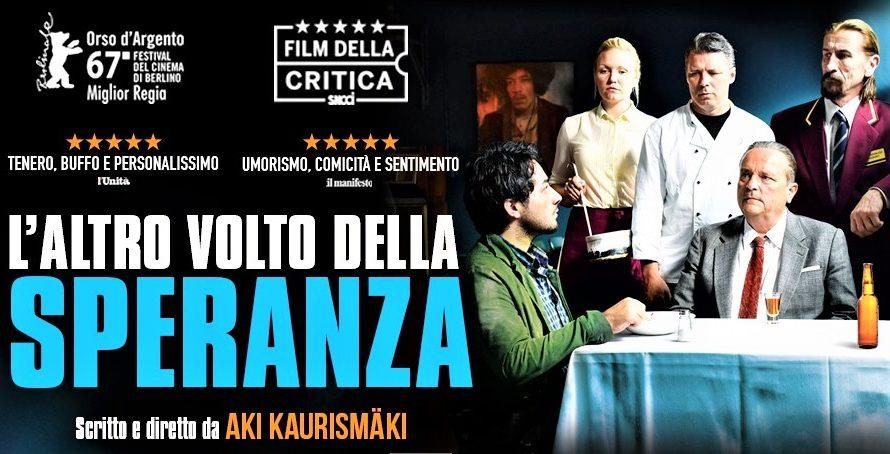 Disponibile su RaiPlay L'altro volto della speranza, un film del 2017 diretto da Aki Kaurismäki. Il film si è aggiudicato l'Orso d'Argento al Festival di Berlino per il miglior regista […]
