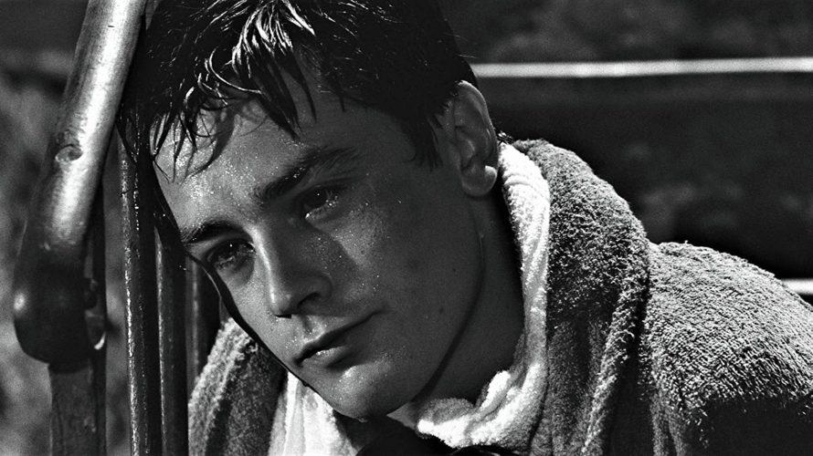 Disponibile su Raiplay Rocco e i suoi fratelli, un film del 1960 diretto da Luchino Visconti e ispirato al romanzo Il ponte della Ghisolfa di Giovanni Testori. Il titolo del […]