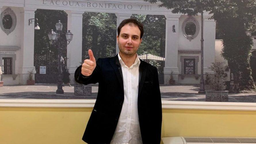 Stefano Madonna è il protagonista del nostro editoriale di oggi. Nonostante la sua giovane età, Stefano Madonna vanta già una grande esperienza nel mondo dello spettacolo, che è la sua […]