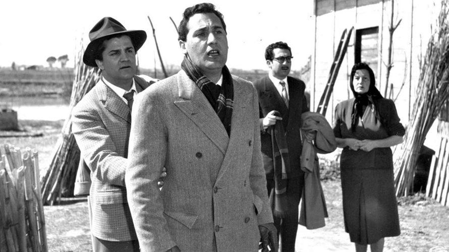 Stasera in tv su Rai Storia alle 21,10 I vitelloni, un film del 1953 diretto da Federico Fellini. Il film è incentrato sulle vicende di un gruppo di cinque giovani: […]