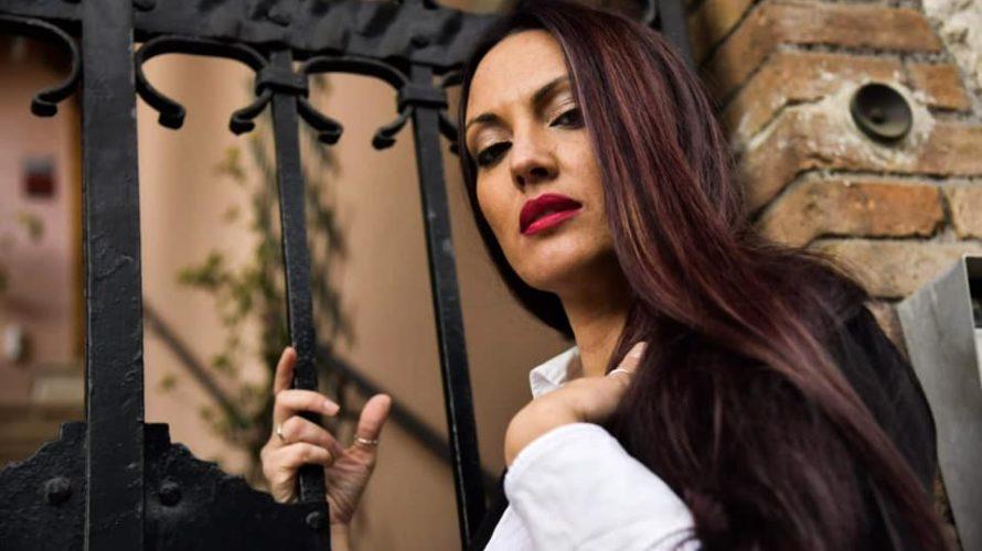 Daria Franchina, è la sensualissima ed affascinante fotomodella protagonista del nostro editoriale di oggi, vediamo di conoscerla insieme con questa intervista. Ciao Daria, benvenuta su Mondospettacolo, come stai innanzitutto? Ciao […]