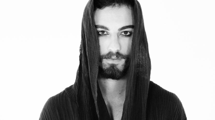 E' uscito il videoclip di Get Me Out il primo singolo diEros, musicista e cantautore, che ha debuttato da qualche giorno su tutte le piattaforme musicali conun brano dal sound […]