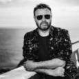 Chi è Stefano Fucili? Cantautore, chitarrista, compositore e arrangiatore che ha collaborato con Lucio Dalla, suo produttore alla fine degli anni novanta, scrivendo con e per Dalla il brano Anni […]