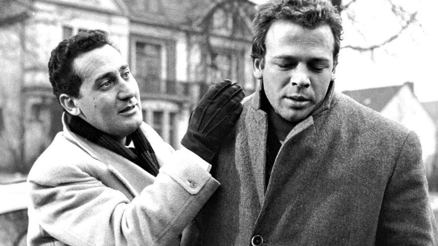 Disponibile su RaiPlay I magliari, un film del 1959 diretto da Francesco Rosi. Il film è stato girato interamente in Germania, tra Hannover e Amburgo. La produzione visitò i luoghi […]