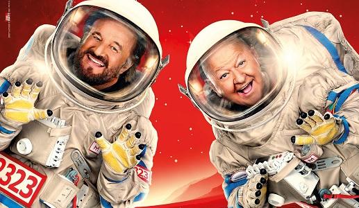 Profetico fu nel 2011 Boris – Il film, che, sbeffeggiando i tanto chiacchierati cinepanettoni, ipotizzò la realizzazione di un Natale nello spazio nove anni prima che Neri Parenti decidesse – […]