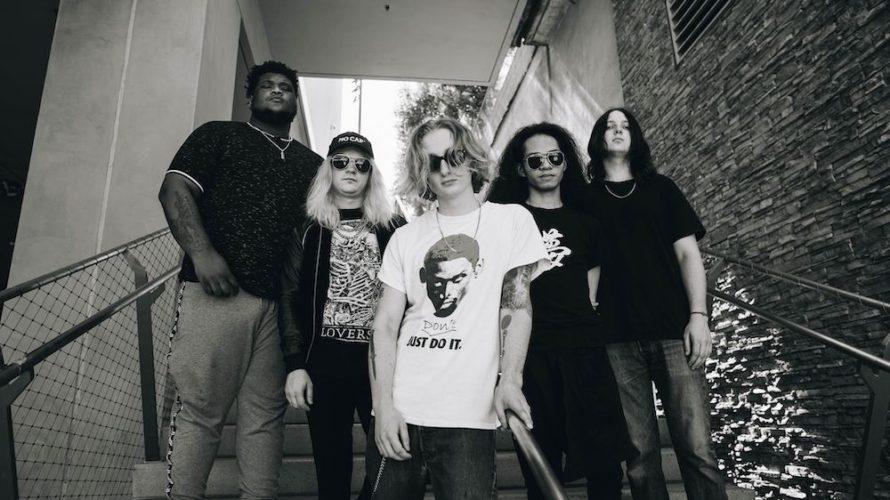 """Love Ghost è un gruppo alternative rock di Los Angeles(California, USA). Che si tratti della loro canzone Emo / Trap """"I'll be """"fine""""(presente nella playlist ufficiale di Spotify """"Alternative Beats"""", […]"""