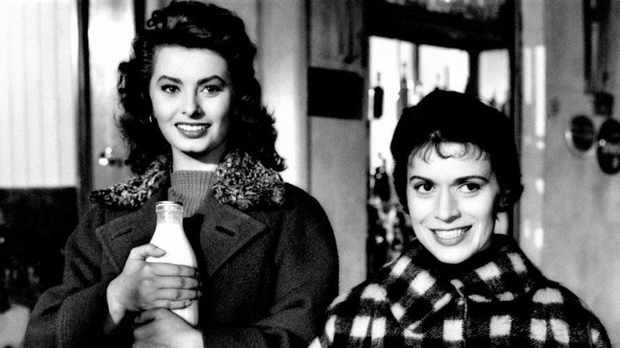 Stasera in tv su Rai Storia alle 22,10 Il segno di Venere, un film del 1955 diretto da Dino Risi, con Sophia Loren, Franca Valeri, Vittorio De Sica, Peppino De […]