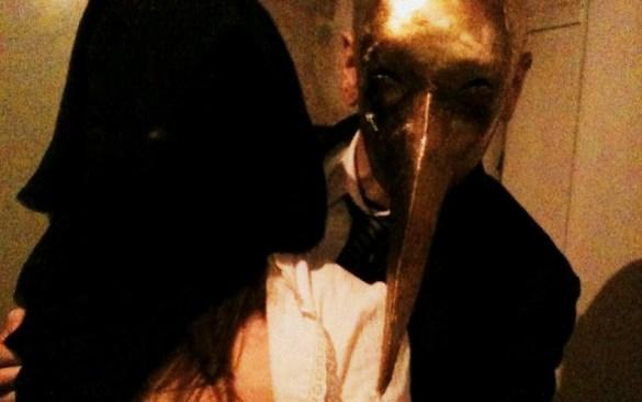 """""""Girato in sei anni, La loggia è un auto-rituale in un'inedita salsa nichilista e dark"""". Distribuito da Digitmovies, recita ciò sul retro della fascetta il dvd de La loggia, diretto […]"""