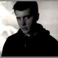 """""""Volerai"""" è il singolo d'esordio di Lunanico, cantautore dal carattere introverso, caratterizzato da un scrittura tipica di quella bella follia cantautorale italiana. Ecco la nostra intervista a Lunanico. Cosa ha […]"""