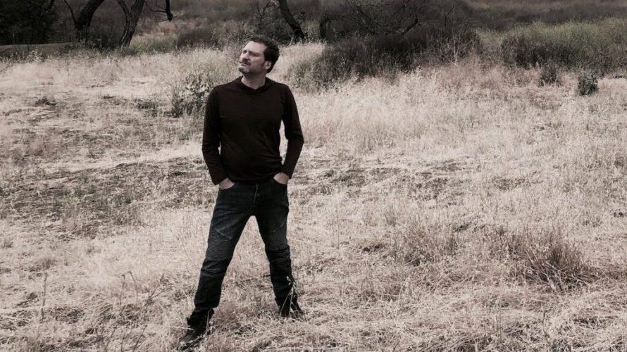 """Antgul, produttore musicale di edm originario di Pomigliano d'arco(NA) e ora residente a Los Angeles dove svolge anche attività di direttore della fotografia cinematografica e montatore video. Presentazione di """"Come […]"""