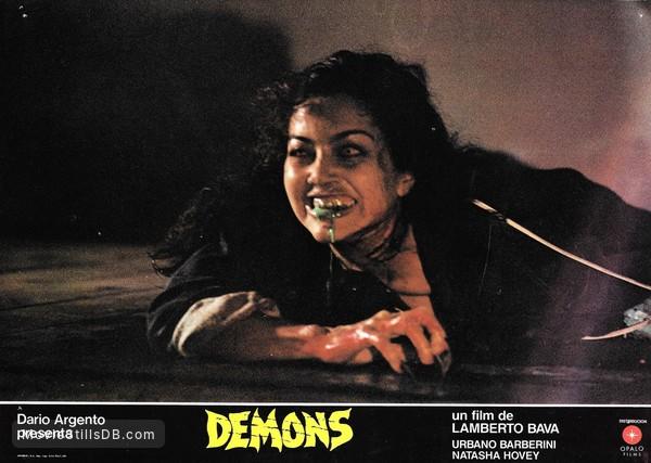 """Amici di Mondospettacolo, continua il nostro speciale sul cult horror """"Demoni"""", oggi sono in compagnia di Fabiola Toledo, che è stata una delle protagoniste del film! Fabiola Toledo, benvenuta su […]"""