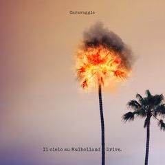 """Il 1 febbraio Caravaggio ha pubblicato il suo nuovo singolo: """"Il cielo su Mulholland Drive"""". L'artista già dall'anno scorso è riuscito a farsi notare per il suo sound fuori dal […]"""