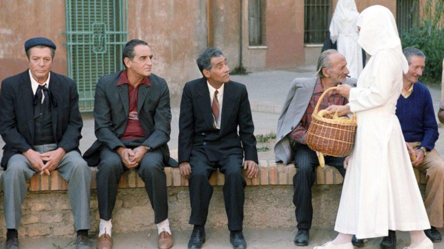 Capolavoro datato 1958, I soliti ignoti di Mario Monicelli ha goduto di una sua tradizione a suon di sequel (Audace colpo dei soliti ignoti del 1959 di Nanni Loy) e […]