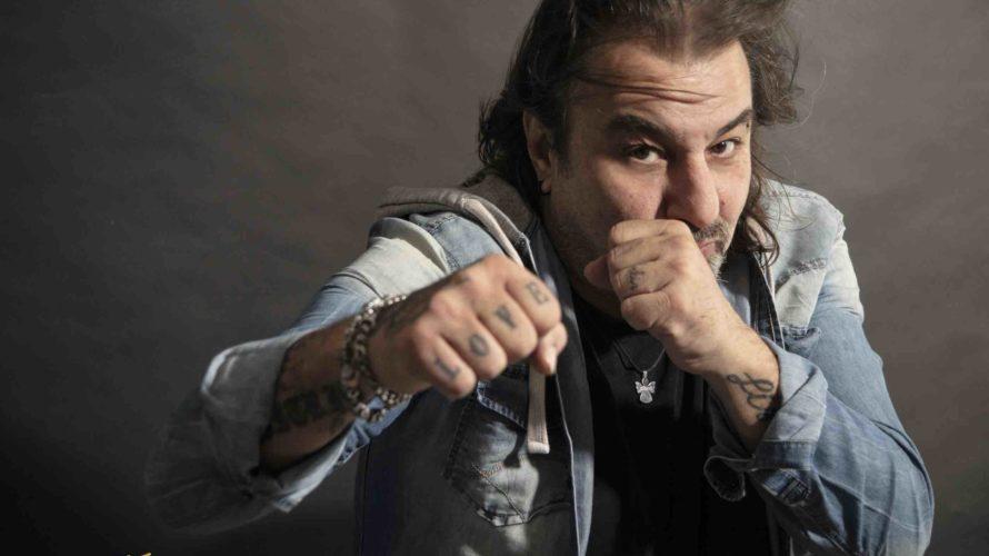 """""""HEY MA!"""" è il nuovo singolo di Luca Anceschi, scritta da lui insieme a Domenico Castaldi. Il singolo vanta collaborazioni prestigiose, troviamo: Lanny Ligabue (figlio diLuciano) alla batteria, Max Gelsi […]"""