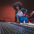 Dal 23 febbraio 2021 è disponibile in digitale Collaboration, il nuovo singolo di OUMY. L'artista di origine italo-senegalese ha alle spalle un percorso musicale che la vede dapprima al fianco […]