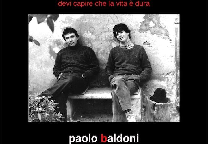 Sette incisioni originali ritrovate nell'archivio storico di Paolo Baldoni e Luca Bonaffini nella musicassetta autoprodotta dai due cantautori ancora studenti nel 1981, rimasterizzate e restaurate. Si chiamavano sale di incisione, […]