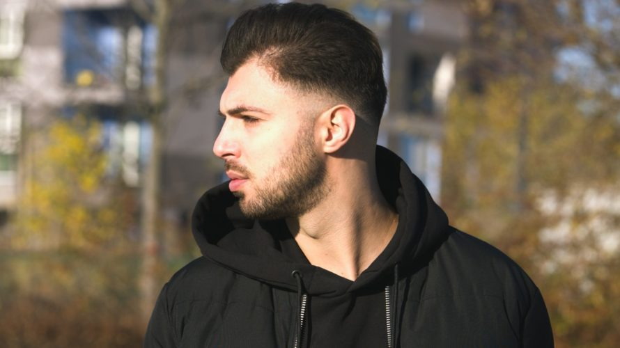 """""""Il Gelo"""" è il titolo del nuovo singolo e video del rapper e agente di polizia Sebastiano Vitale, meglio conosciuto come Revman, da martedì 2 febbraio in tutte le piattaforme […]"""