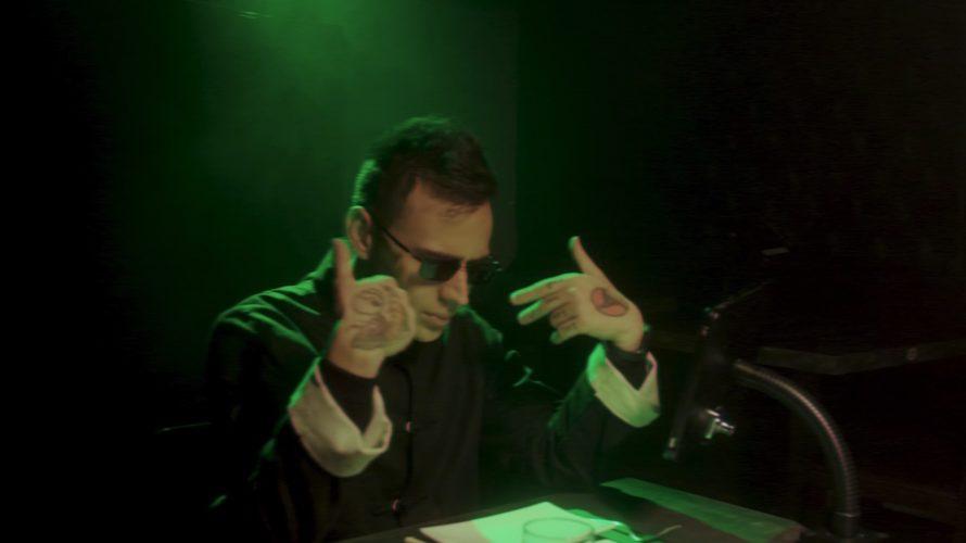 """""""Errore 404"""" è il titolo del nuovo videoclip di Akes estratto dall'ultimo album """"Revolution"""", disponibile da martedì 9 marzo su YouTube. Sull'inconfondibile produzione di Dr. Wesh, già presente in molte […]"""