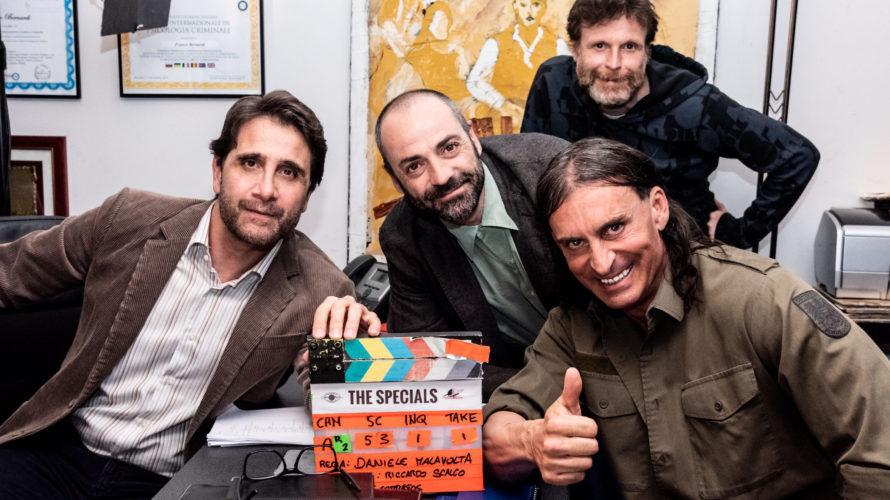 Sono iniziate questa settimana a Roma le riprese del film Gli specialidiretto daDaniele Malavolta. Il film è una commedia d'azione di supereroi, in cui umorismo e citazioni metacinematografiche giocano un […]