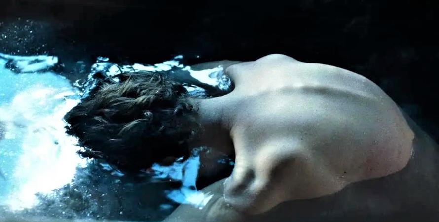 Stasera in tv su Rai 5 alle 22 Vergine giurata, un film del 2015 diretto da Laura Bispuri. Il film, con protagonista Alba Rohrwacher, è stato presentato in concorso al […]