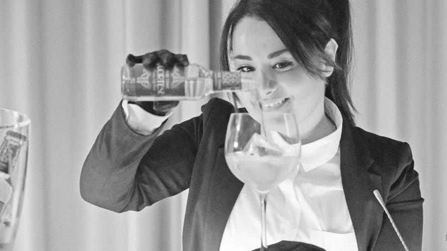 Americano napoletano è un drink che rappresenta il cavallo di battaglia di Patrizia Bevilacqua, Brand Event Manager napoletana, da sette anni a Milano, che ha voluto omaggiare, con questa rivisitazione, […]