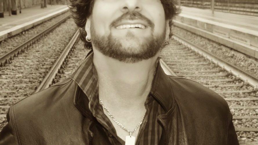 Manca poco alla pubblicazione del primo album del cantautore Damian da tempo impegnato in sala d'incisione con la sua band. Un lavoro non semplice, in cui non sono mancate le […]
