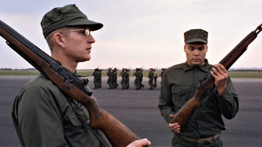 Stasera in tv su Italia 1 alle 23,40 Full Metal Jacket, un film statunitense del 1987 diretto da Stanley Kubrick ed interpretato da Matthew Modine. Il film, il cui titolo […]