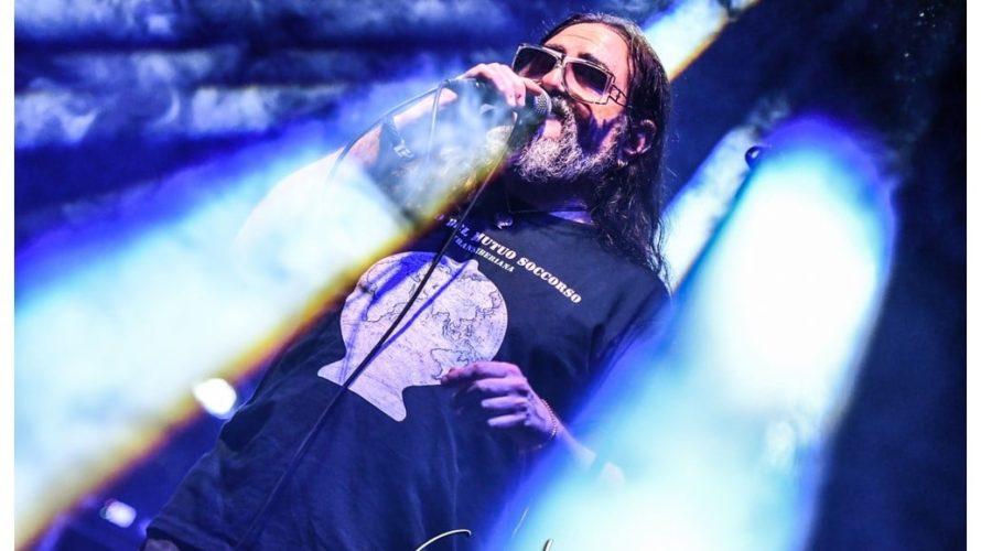 Tony D'Alessio del Banco del Mutuo Soccorso canta nel tribute album dei Black Sabbath Tony D'Alessio è la prorompente voce del prestigioso progetto hard rock Sabbatonero, tribute album registrato in […]
