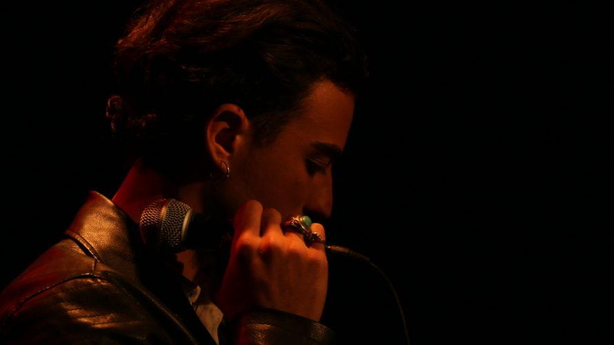 Dopo il successo del primo singoloGet Me Outuscito lo scorso autunno, il musicista e cantautore romanoErostorna a debuttare su tutte le piattaforme musicali con il nuovo singolo Come un vecchio […]