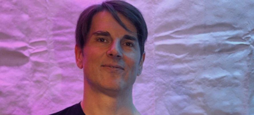 L'EP Antidoto 21 del cantautore e scrittore ticinese Max Deste è uscito domenica 21 marzo 2021. Si tratta di una raccolta di 5 brani, in italiano, di cui l'inedito Antidoto […]