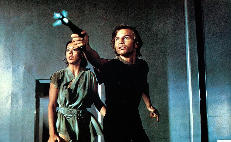 Classico sci-fi, datato 1976, La fuga di Logan, lungometraggio tratto dall'omonimo romanzo di William F. Nolan e George Clayton Johnson, inscenò nel 1976 una probabile popolazione futura dalla vita umana […]