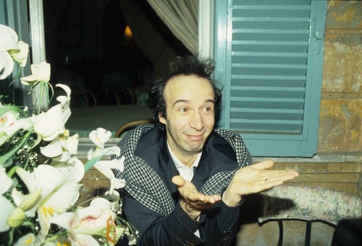 """""""Prima del mio primo ciak da regista ho telefonato a Fellini e ad Antonioni. Ma non erano a casa"""". C'è allegria nel set notturno e freddo sul ponte di Castel […]"""
