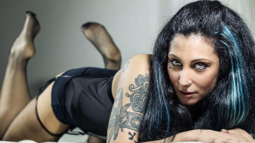 Harley Sixx, il cui vero nome è Alessia, nasce a Cesena il 10 luglio 1985, vive un'infanzia che lei stessa augura ad ogni bambino! Già da piccolissima comincia ad essere […]