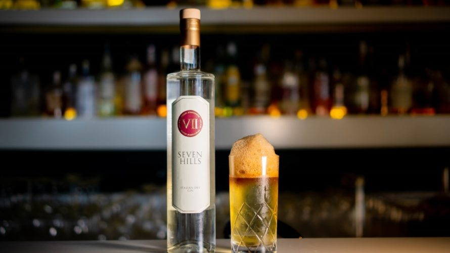 Il Negroni Roots di Nicola Ruggiero è un twist sul cocktail italiano più famoso nel mondo! Qui è declinato con protagonista assoluto il Seven Hills Italian Dry Gin, gin italiano […]