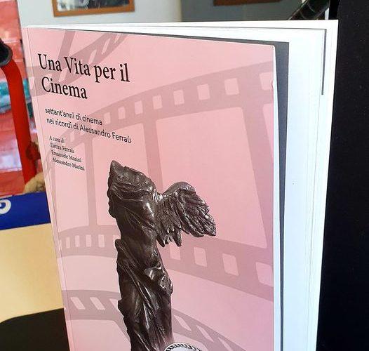 """E' uscito """"Una Vita per il Cinema"""", terza ristampa del libro fotografico dedicato alla vita nel cinema di Alessandro Ferraù, giornalista, autore, sceneggiatore. Il volume è edito dal Centro Studi […]"""