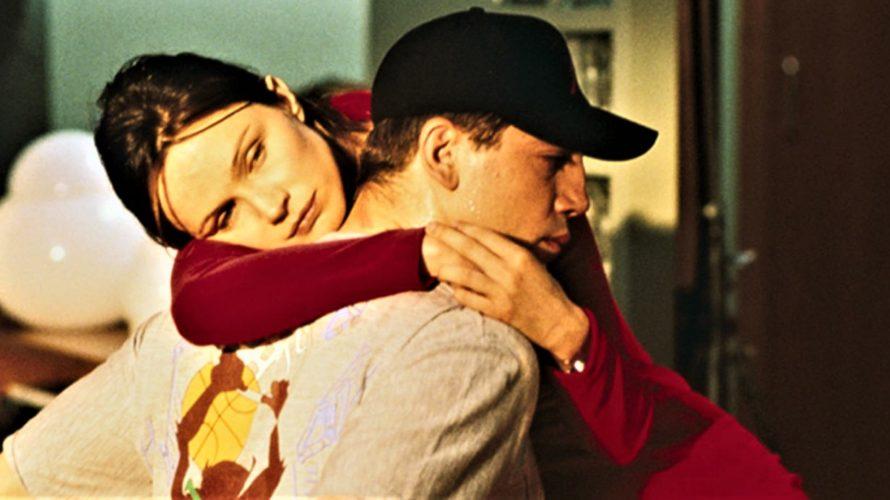 Stasera in tv su Cielo alle 21,20 Carne tremula, un film del 1997 diretto da Pedro Almodóvar, liberamente tratto dal romanzo Carne viva della scrittrice inglese Ruth Rendell. Il film […]
